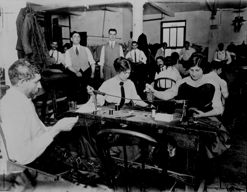 american industrial development and the poor working conditions of laborers in the 1900s Conditions for britain's working-class began to gradually improve by the later part of the 19th century, as the government instituted various labor reforms and workers gained the right to form trade unions.