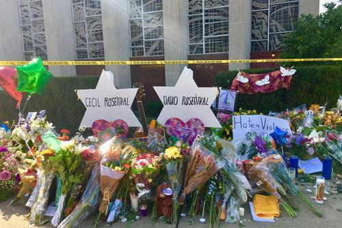 Memorial outside Tree of Life Synagogue