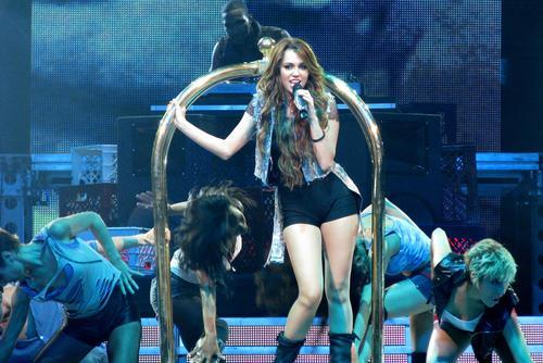 Miley Cyrus Performs at the Rose Garden in Portland, Oregon, September 14, 2009
