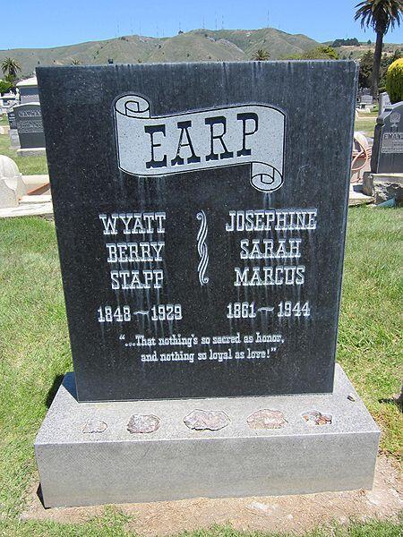 450px-wyatt_josephine_earp_grave.jpg