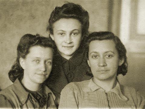 Chasya Blinka, Liza Czapnik, and Ania Ruth