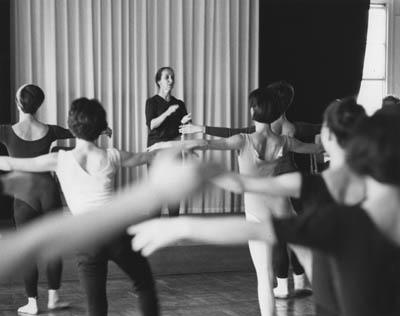 Sokolow teaching dance students in Tokyo