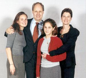 barr_family.jpg - still image [media]
