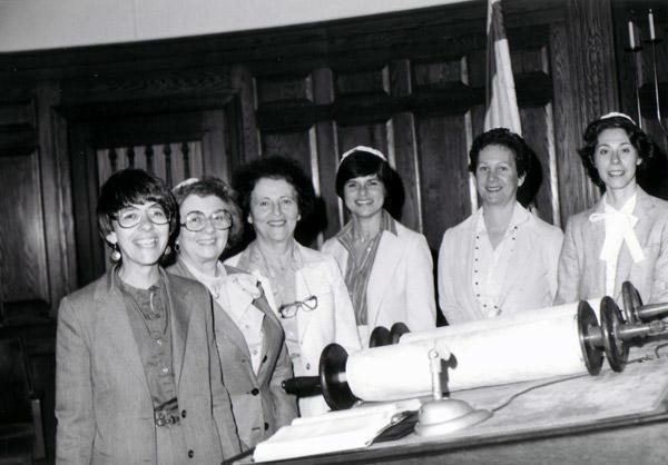 Hadassah Blocker with early Bar/Bat Mitzvah class - image [media]