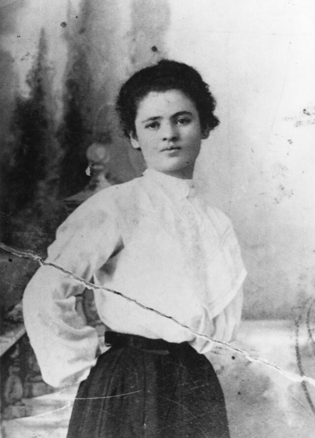 Clara Lemlich in a shirtwaist