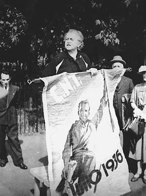 Goldman speaking about the Spanish anarchists at a May Day rally in Hyde Park, London, May 1, 1937. Photo published