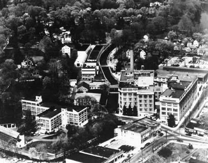 Aerial view of building housing Burroughs Wellcome laboratory
