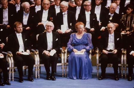 Gertrude Elion with other recipients at the Nobel Prize awards ceremony