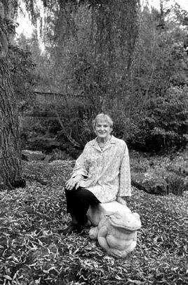 Arva Davis Gray