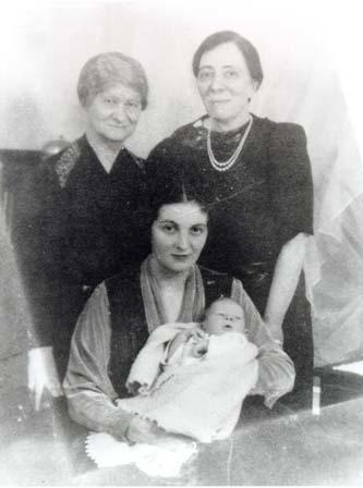 Four Solomon Women: Hannah Solomon with her daughter and granddaughter