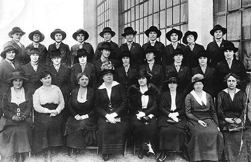 Hadassah's Central Committee and Nurses of the AZMU, New York, 1918