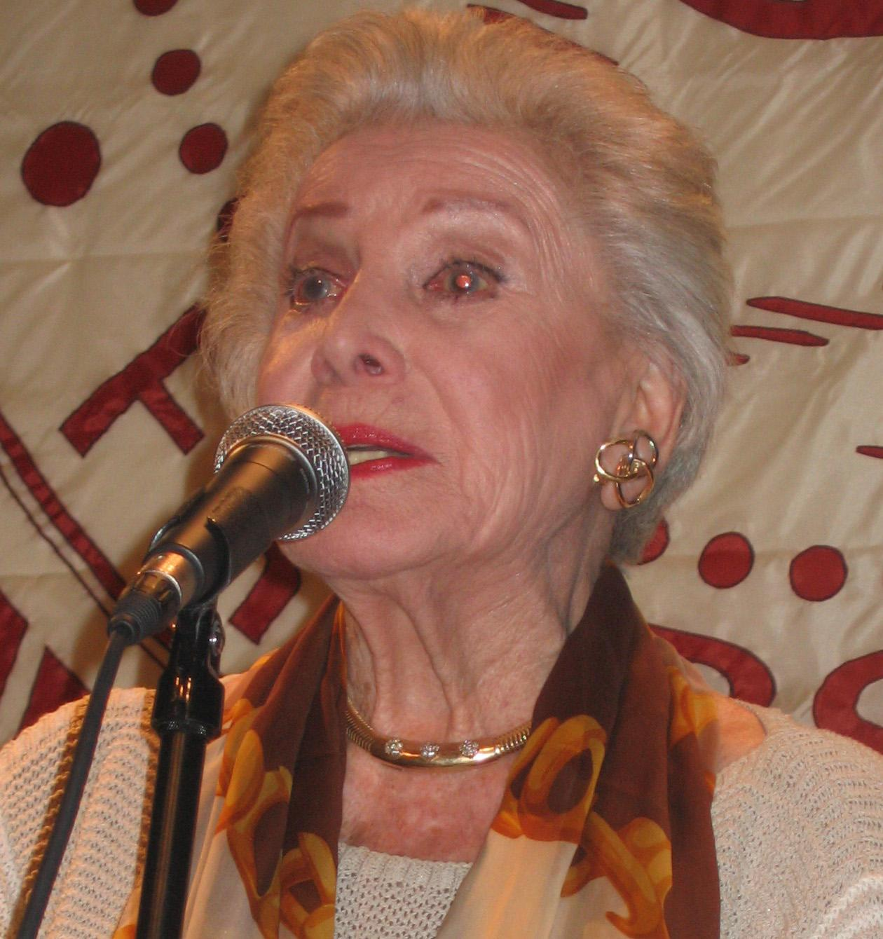 Jean Caroll, speaking at the Friar's Club in NYC, November 2006 - cropped