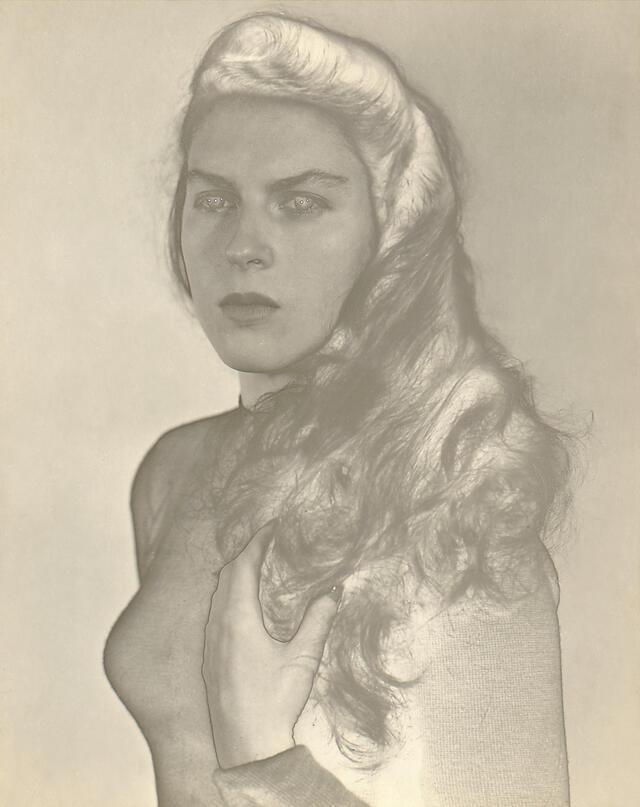 jm_retrato_de_violeta_solarizado_montevideo_1952.jpg