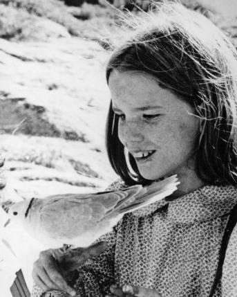 little_house_on_the_prairie_melissa_gilbert_1975_crop_2.jpg