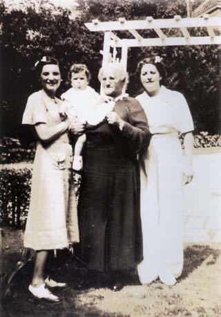 Beatrice Alexander Behrman (right), with (left to right) her daughter Mildred Behrman Birnbaum, her granddaughter Wendy Ann Birnbaum, and her mother Hannah Pepper Alexander