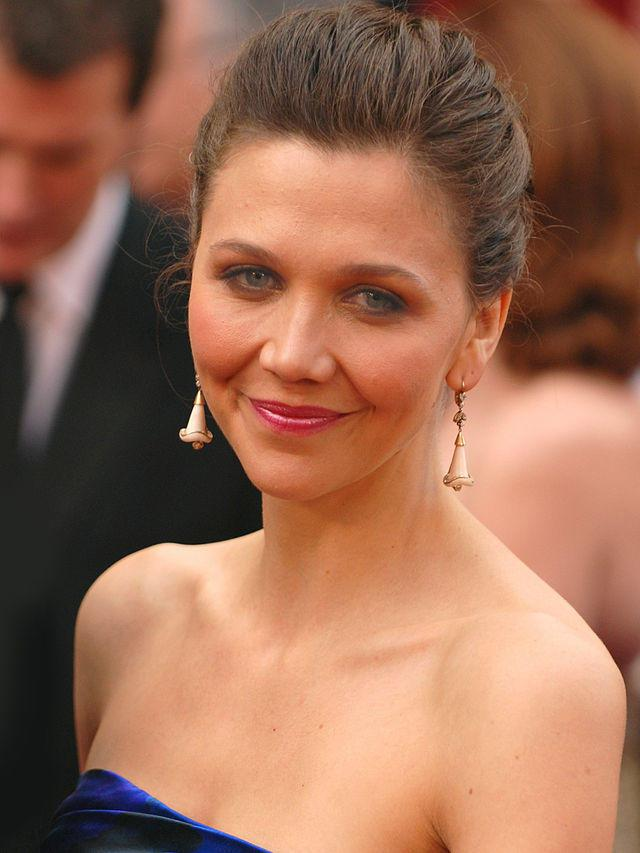 maggie_gyllenhaal_at_the_82nd_academy_awards_cropped_2.jpg