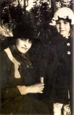 Beatrice Alexander with her daughter, Mildred
