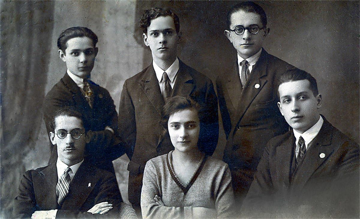 Shulamith Soloveitch Meiselman and Warsaw Zionist Youth Organization circa 1920s