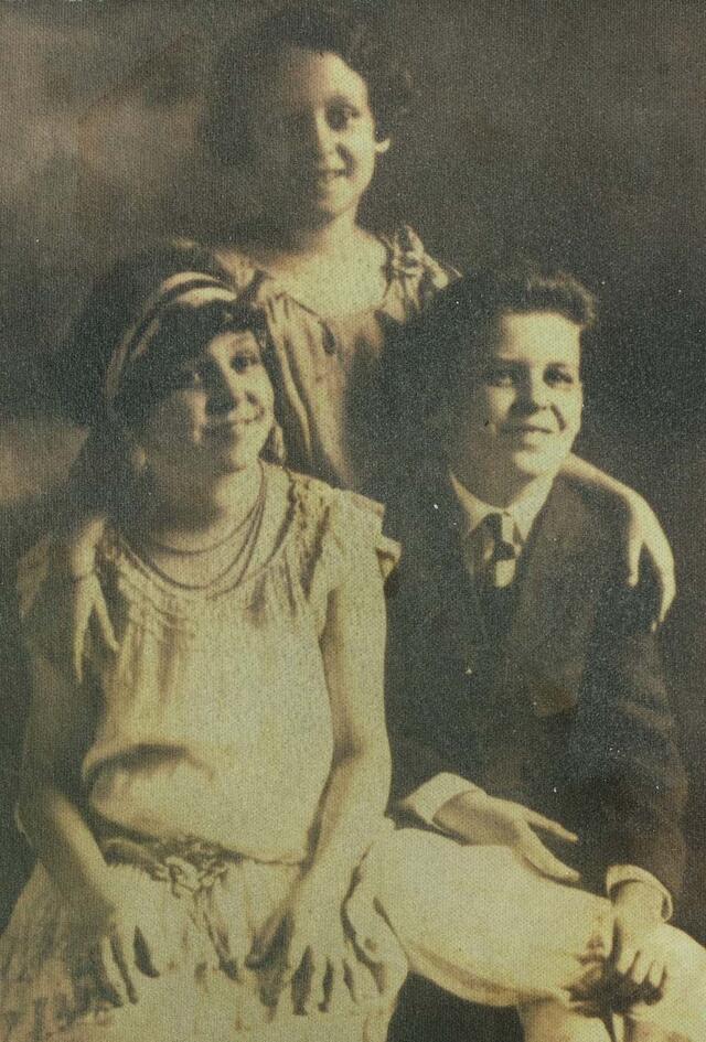 Rayman siblings c.1928