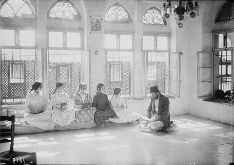 Samaritans of Nablus, 1900-1920, Samaritan Girls at School