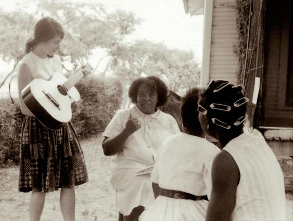 Image of Heather Booth and Fannie Lou Hamer