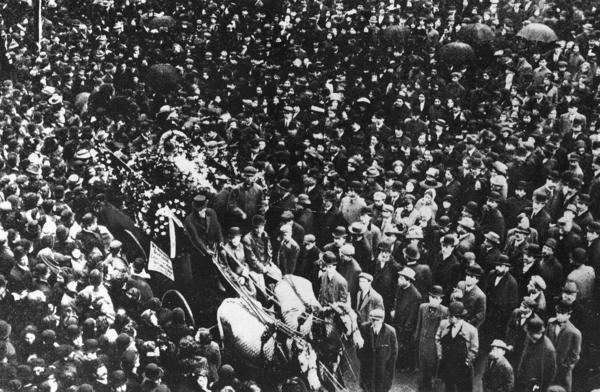 Crowd at Triangle Funeral Parade