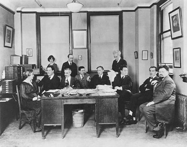 Henrietta Szold (left) with the rest of the Provisional Zionist Committee, New York, c. 1915