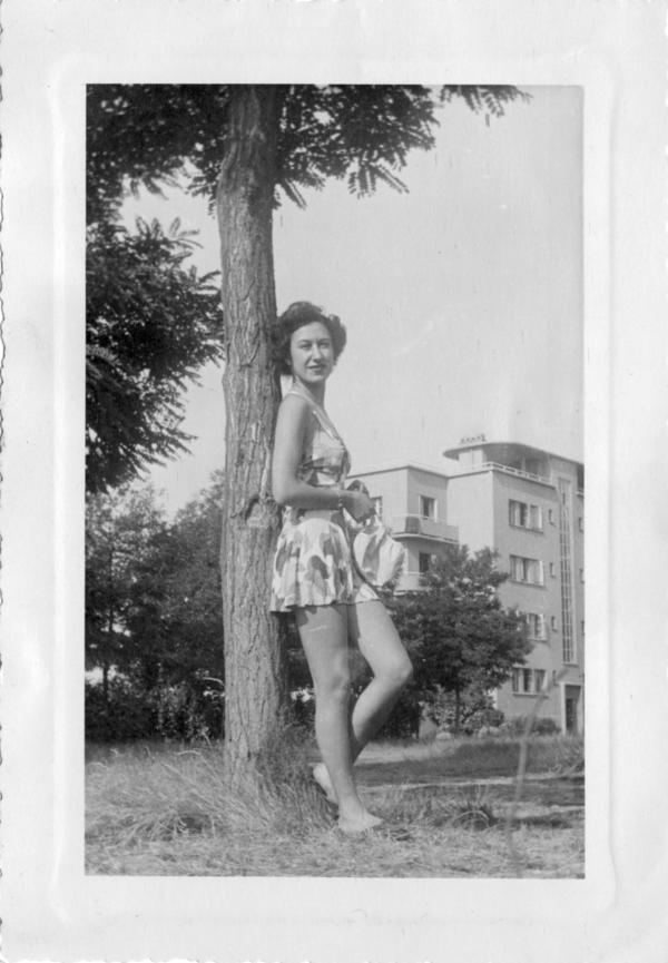 Mollie Weinstein in France, 1940s