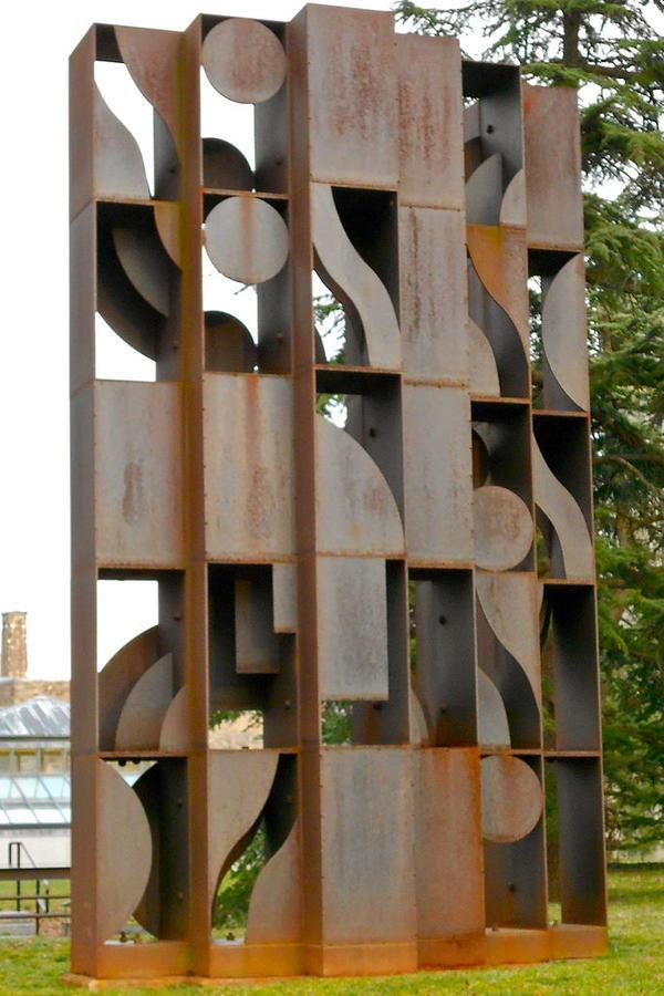 Sculpture Atmosphere and Environment X, 1969